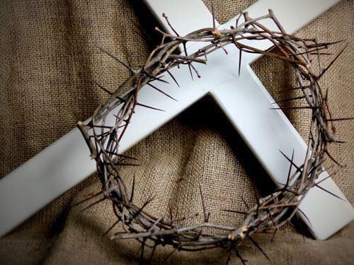 Φρόντισε την Μεγάλη Παρασκευή να σταθείς κάτω από τον Σταυρό Του - ΕΚΚΛΗΣΙΑ  ONLINE