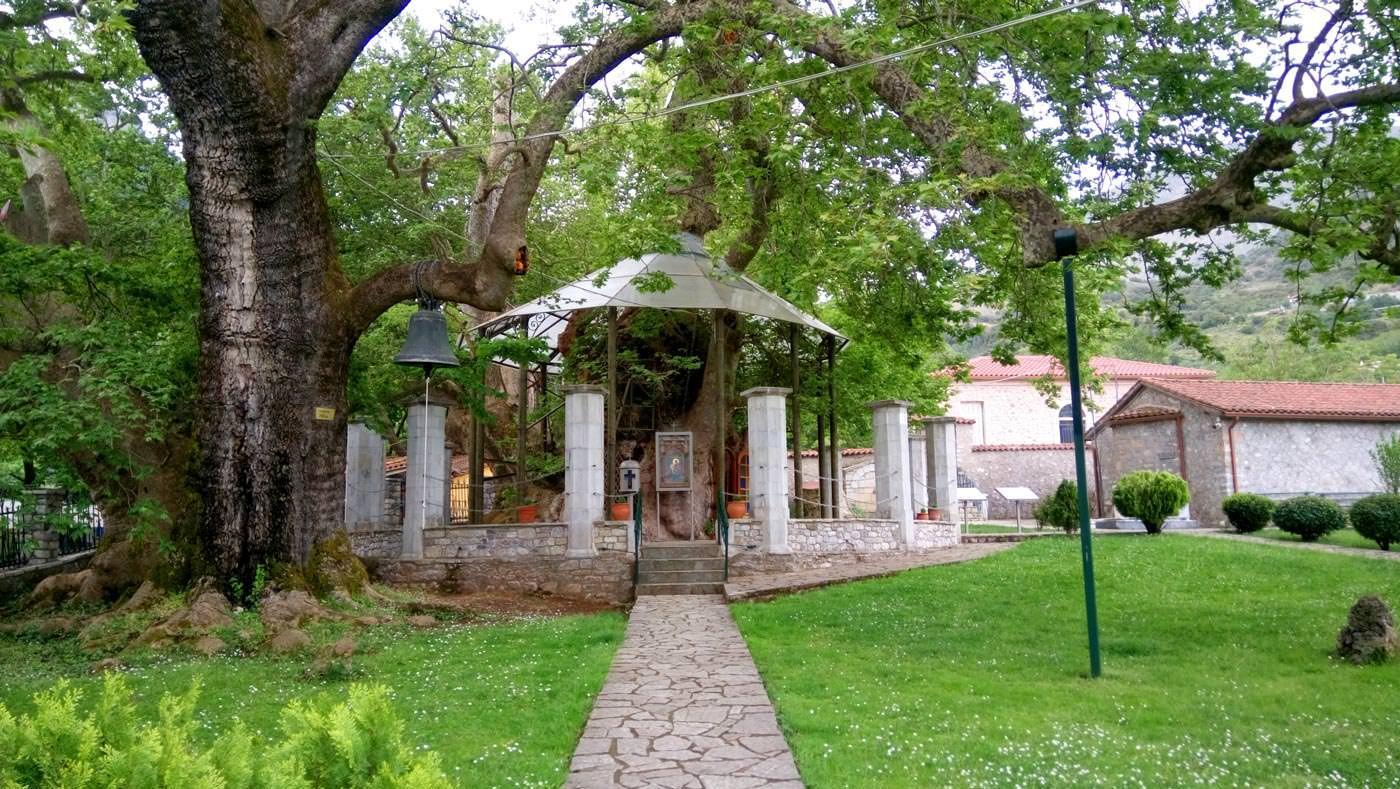 εκκλησάκι Παναγιάς Πλατανιώτισσας Καλάβρυτα