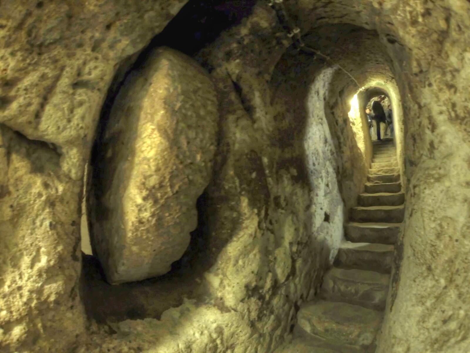 υπόγεια πόλη στην Καππαδοκία