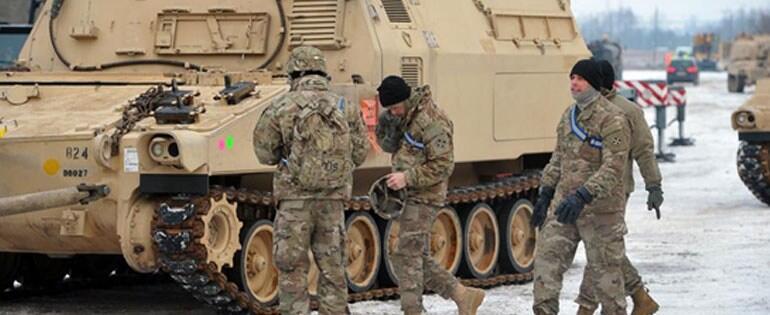 Τώρα φθάνουν 3.500 στρατιώτες από το Κολοράντο με 87 τανκς και 400 τζιπ Humwee