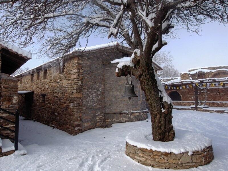 χιονισμένο Παλαιό Καθολικό Του Τιμίου Προδρόμου