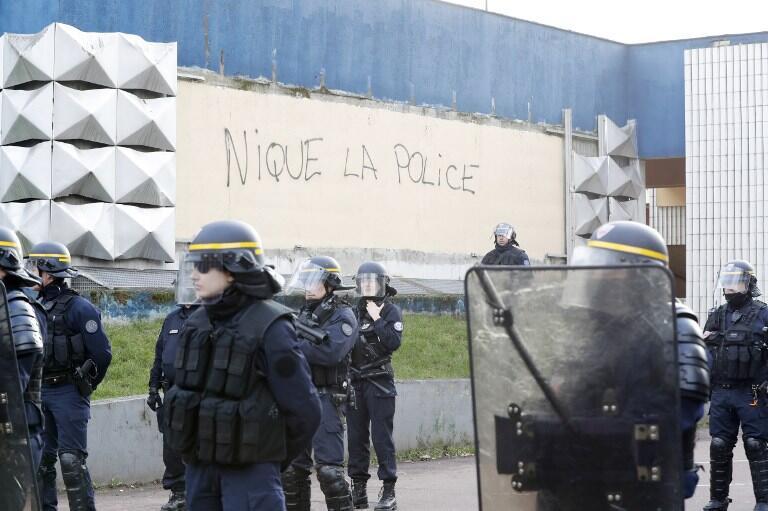 διαδήλωση γαλλία σοδομισμός 22 χρονου αστυνομια