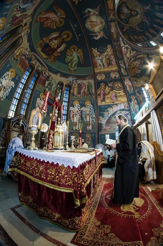 Το Τίμιο Ξύλο και η άφθαρτη χείρα της Αγ. Μαρίας Μαγδαληνής στον Ι.Ν. Αγ. Κωνσταντίνου & Ελένης Ν. Ιωνίας