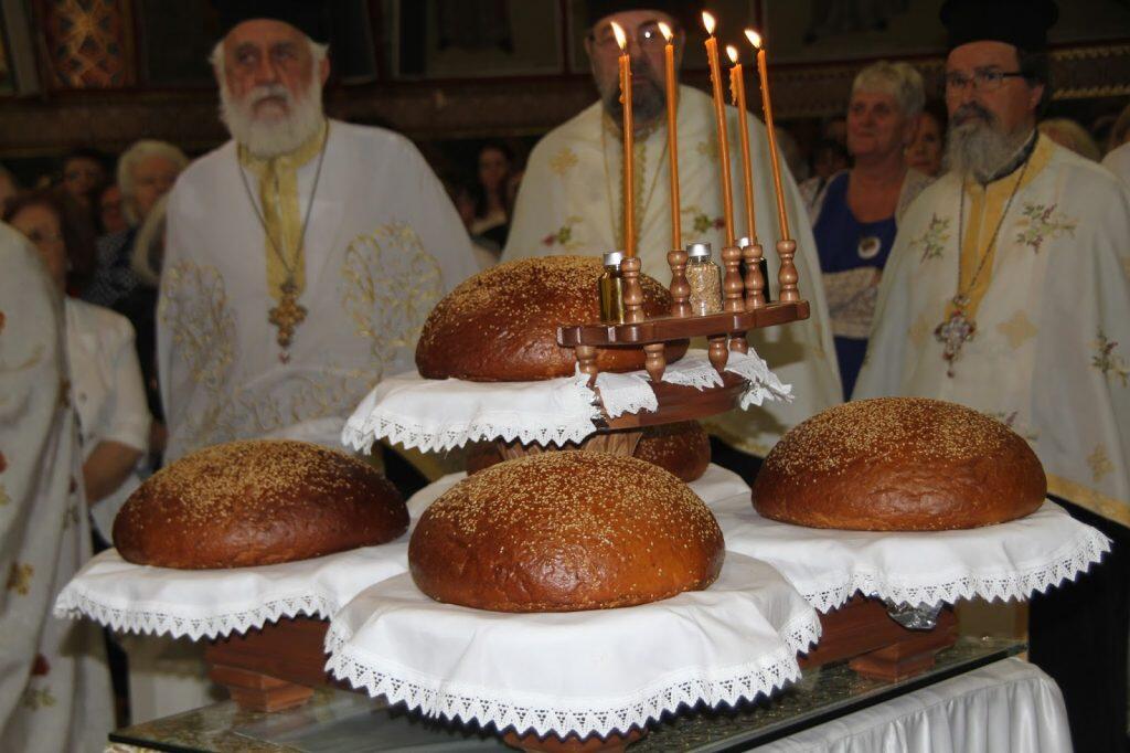 Πανηγυρικός Εσπερινός της Εορτής των Αγίων Κωνσταντίνου Ελένης στη Γλυφάδα