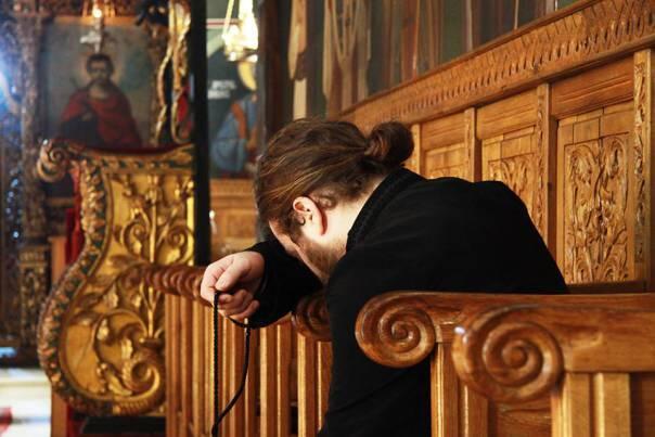 Πῶς γίνεται ἡ προσευχή μέ κομποσχοίνι. Από την Ιερά Μονή Αγίου Διονυσίου  Αγίου Όρους - ΕΚΚΛΗΣΙΑ ONLINE