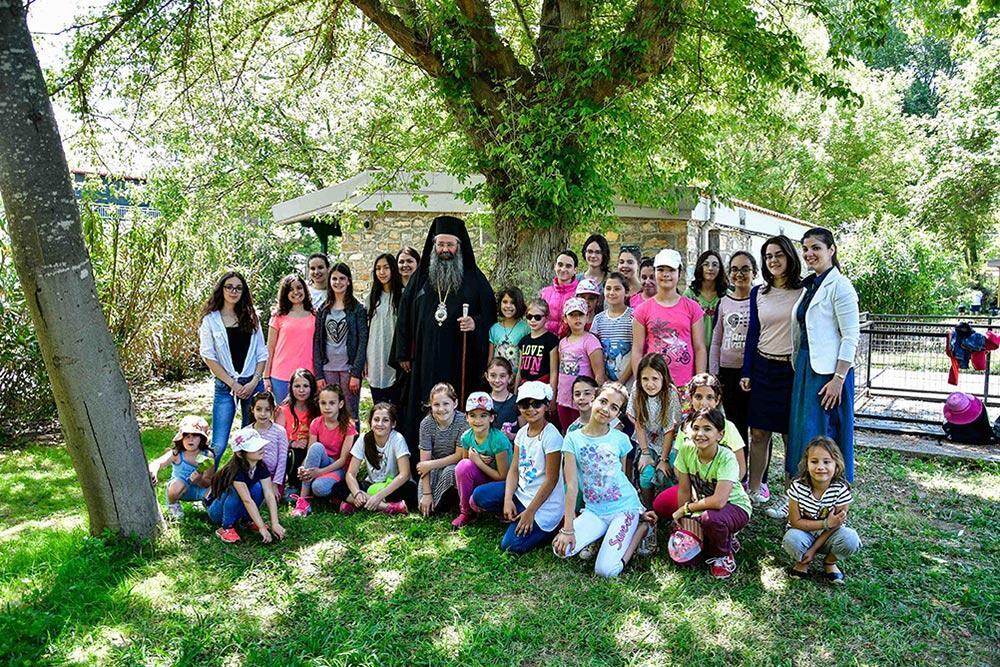 φιλοξενία παιδιών στην Ιερά Μονή Αγίου Γεωργίου Ρητίνης