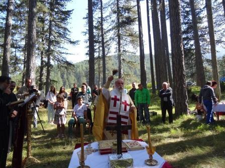 Μητρόπολη Γρεβενών: Θεία Λειτουργία στον μεγαλύτερο ναό του κόσμου