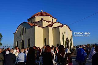 Πλήθος κόσμου στην υποδοχή της Δεξιάς Χειρός του Αγίου Νεκταρίου στο Μαλαντρένι Αργολίδος