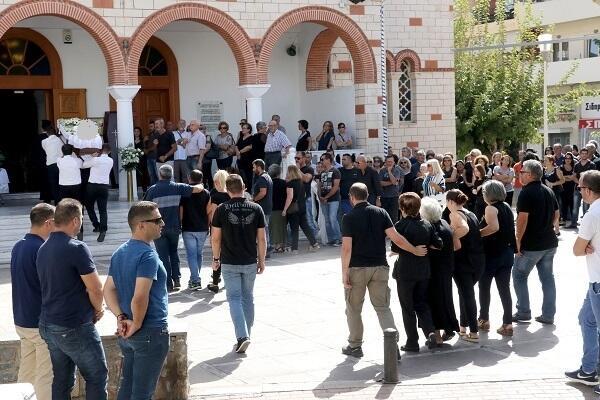 Τραγικές στιγμές στην κηδεία της 33χρονης Μαρίας