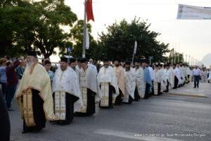 Χιλιάδες Πατρινοί στη Λιτανεία της Τίμιας Κάρας του Αγίου Ανδρέα