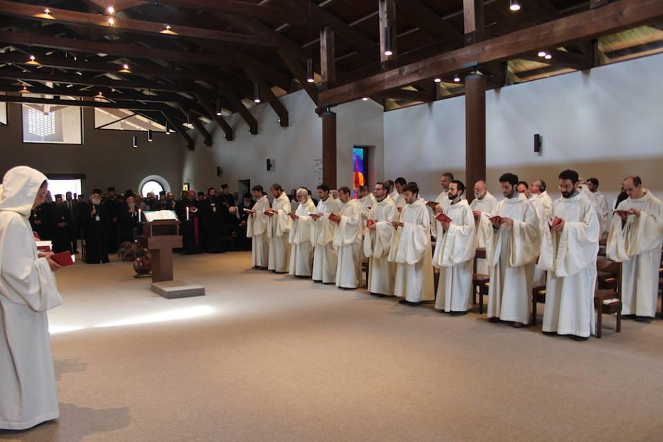Πατριάρχης Αλεξανδρείας και Οικουμενικός Πατριάρχης στην Ακολουθία στο Καθολικό της Μονής Bose