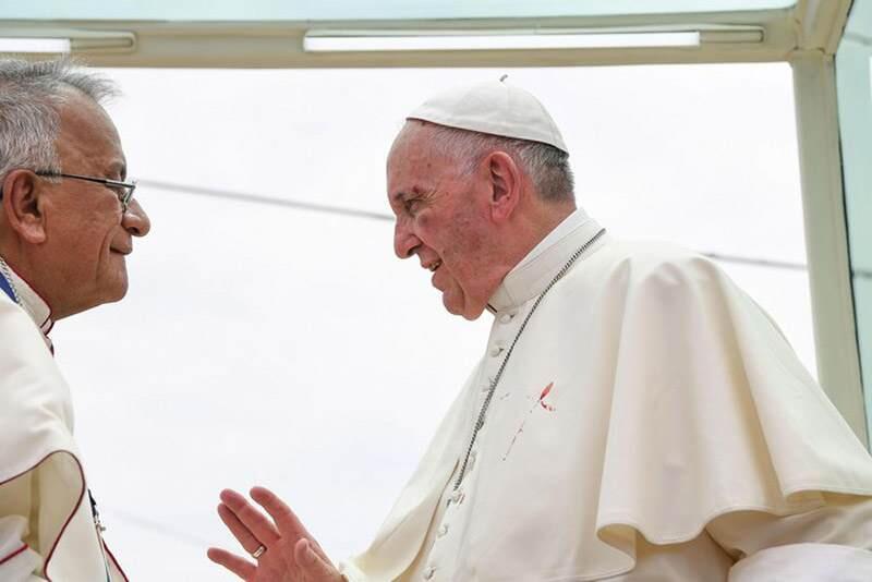 Σοβαρά χτυπημένος ο Πάπας Φραγκίσκος-αίμα στα άμφια