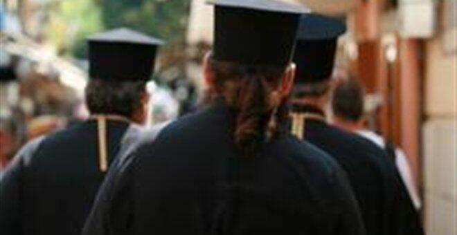 Η Ιερά Σύνοδος καθαίρεσε Αρχιμανδρίτη από Τρίκαλα