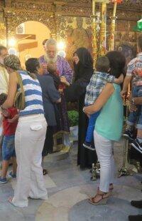 Μητρόπολη Σύρου: Η Ύψωση του Τιμίου Σταυρού στη Σίκινο