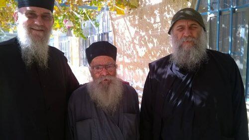Εορτάζει σήμερα ο σεβάσμιος Αγιοταφίτης γέροντας π. Ιερόθεος, εκ Κρήτης
