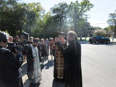 Συγκίνηση κατά την αναχώρηση του Λειψάνου του Αγίου Σπυρίδωνος από Σικάγο