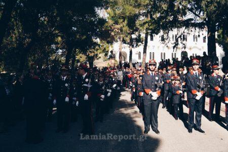 Χιλιάδες Λαμιώτες τίμησαν τον πολιούχο τους Ευαγγελιστή Λουκά
