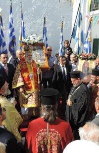 Χιλιάδες Μυκόνιοι πανηγύρισαν τον Άγιο Αρτέμιο