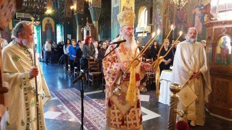 Μητρόπολη Ναυπάκτου: Αρχιερατική Θεία Λειτουργία στον Άγιο Γεώργιο