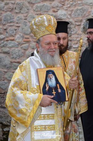 Γέροντας Ιάκωβος Τσαλίκης: Πλήθος πιστών στην πρώτη λατρευτική σύναξη στην Ιερά Μονή του Οσίου Δαυΐδ