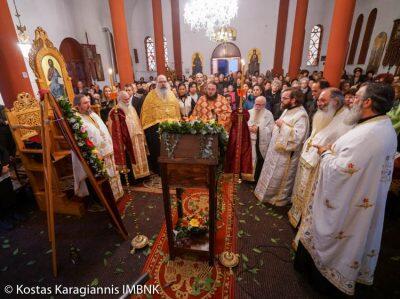 Κύμινα: Πλήθος πιστών στην υποδοχή του Τιμίου Σταυρού από τα Ιεροσόλυμα