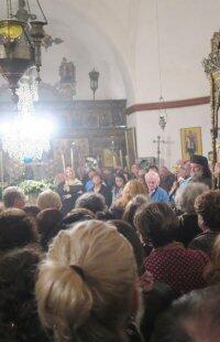 Σέριφος: Πλήθος πιστών στην Ιερά Μονή Ταξιάρχη Μιχαήλ
