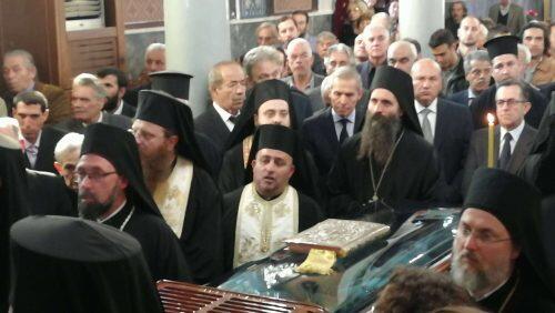 Αρχιεπίσκοπος και χιλιάδες πιστοί στην Εξόδιο Ακολουθία Μάνης Χρυσοστομου-νέες φωτογραφίες