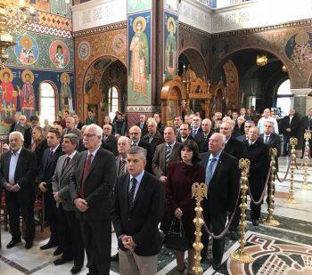 Μητρόπολη Λαρίσης: Λαμπρή Εορτή των Ενόπλων Δυνάμεων στον Άγιο Αχίλλιο