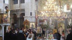 Θεία Λειτουργία στο Ιερό Προσκύνημα Παναγίας Εκατονταπυλιανής
