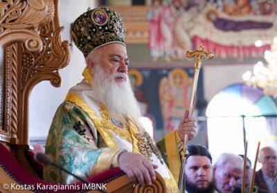 Με λαμπρότητα πανηγύρισε ο Iερός Nαός του Αγίου Νικοδήμου του Βεροιέως και των Αγίων Κωνσταντίνου και Ελένης Βεροίας