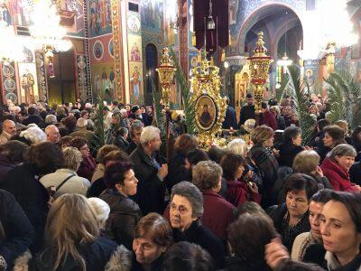 Αγία Ζώνη-Λάρισα: Πλήθος πιστών στην Αρχιερατική Ιερά Αγρυπνία