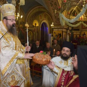 Μητρόπολη Μεγάρων: Όρθρος και Θεία Λειτουργία στα Αμπελάκια Σαλαμίνος