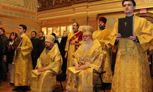 Με λαμπρότητα τιμήθηκε η εκατονταετηρίδα από εκλογής του Αγίου Τύχωνος στον Πατριαρχικό Θρόνο Μόσχας