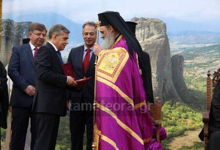 Με συγκίνηση και χαρά η Καλαμπάκα υποδέχθηκε τον Μητροπολίτη Θεόκλητο