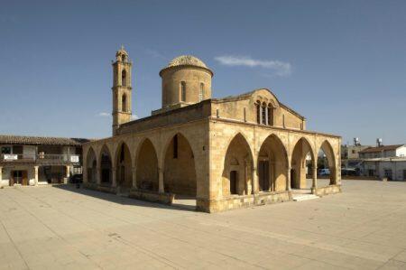Μητρόπολη Μόρφου: Θεία Λειτουργία στον καθεδρικό ναό Αγίου Μάμαντος Μόρφου την Κυριακή