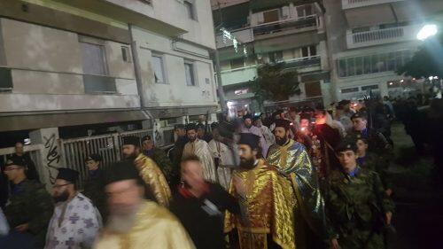 Χιλιάδες Λαρισαίοι υποδέχθηκαν την Αγία Ζώνη-μεγαλειώδης πομπή