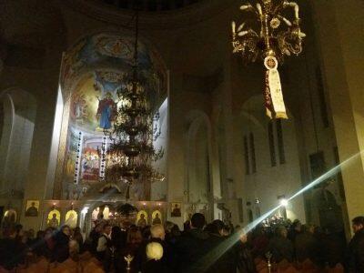 Κοσμοπλημμύρα στο προσκύνημα της Τιμίας Κάρας του Αγίου Ραφαήλ στον Ιερό Ναό Αγίου Φωτίου του Μεγάλου