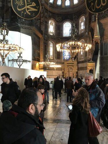 Κοσμοπλημμύρα στην Αγια Σοφιά παρά τις σημερινές προβοκάτσιες των Τούρκων
