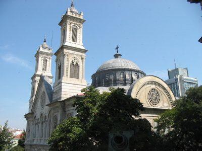 Στον Ιερό Ναό Αγίας Τριάδος ο Οικουμενικός Πατριάρχης