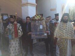 Νάξος: Πλήθος πιστών στον Πανηγυρίζοντα Ιερό Ενοριακό Ναό Αγίου Σπυρίδωνος