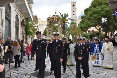 Με μεγαλοπρέπεια η Σύρος τίμησε τον πολιούχο της Άγιο Νικόλαο