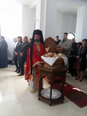 Ιστορική η στιγμή της πρώτης ακολουθίας στον υπό ανέγερση ναό του Αγίου Γεδεών