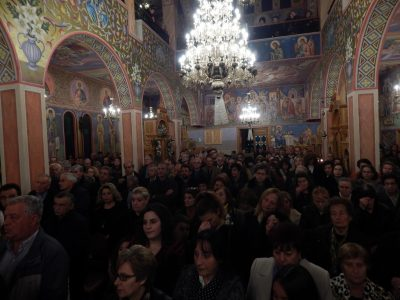 Πάτρα: Εκατοντάδες πιστοί προσκύνησαν την Χείρα του Αγίου Ιερομάρτυρος Ελευθερίου
