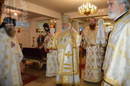 Στον Ιερό Ναό της Αγίας Ειρήνης Χρυσοβαλάντου Ευκαρπίας ο Νεαπόλεως Βαρνάβας