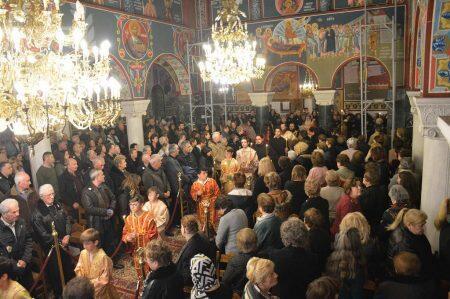 Πλήθος πιστών στην εορτή της μνήμης του Αγίου Ελευθερίου στη Σταυρούπολη