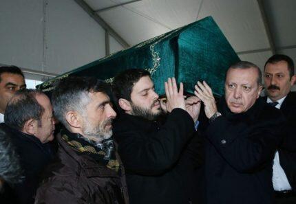 Οικουμενικός Πατριάρχης και Ερντογάν στην κηδεία Γιλμάζ