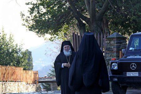 Άγιο Όρος: Η προσκυνηματική επίσκεψη του Νεαπόλεως Βαρνάβα στη Μονή Κουτλουμουσίου