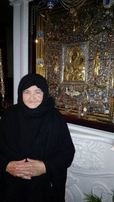 Η Χαρισματική Γερόντισσα Θαβωρία προσκύνησε τη θαυματουργή εικόνα της Μονής Καλλίπετρας