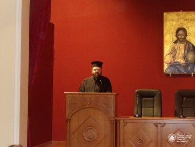 Κόρινθος: Πλήθος κόσμου στην ομιλία του Πατέρα Λίβυου