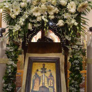 Ελευσίνα: Πλήθος πιστών στην υποδοχή Τιμίου Ξύλου από τα Ιεροσόλυμα